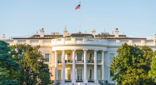 white house 548x300 - Правительство США разрабатывает пакет санкций в отношении России